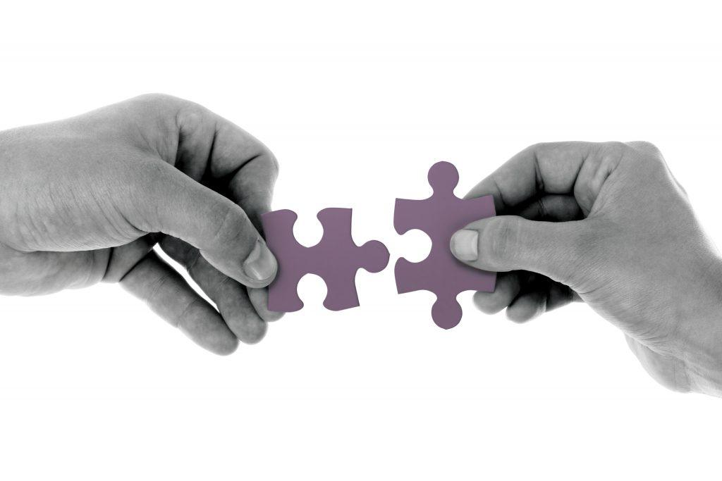 connect-hand-jigsaw-164531